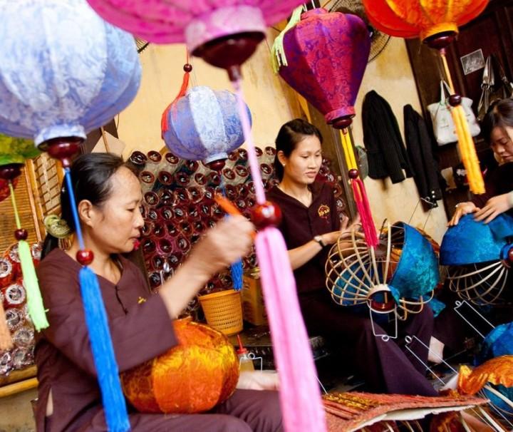 Hoian Lantern making tour