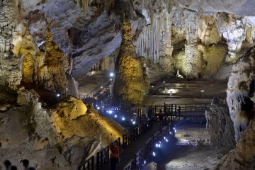 Paradise Cave in Quang Binh
