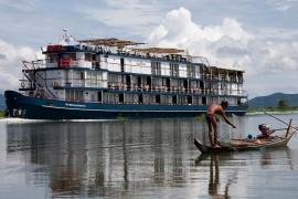 Cambodia Cruise Tour