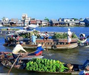 Float market in Chau Doc