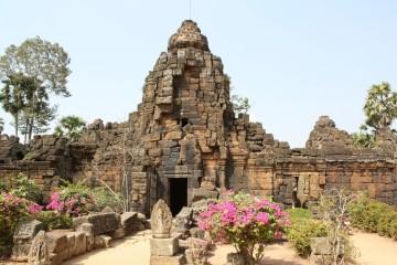 Tonle Bati - Phnom Chisor Temple
