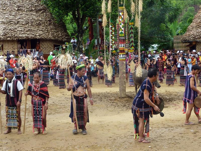 Bho Hoong People